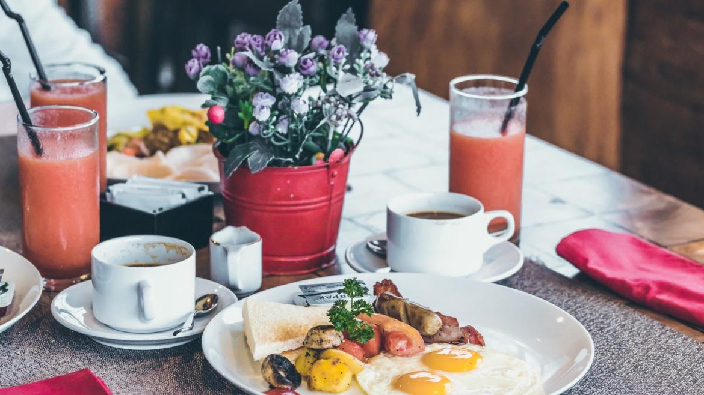"""<span style=""""color: #ffffff;""""></span>Breakfast"""